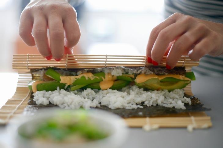 sushi_rolling